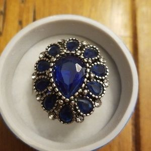 Jewelry - Size 7 bling ring